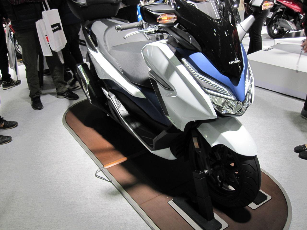 ホンダNEW FORZA250